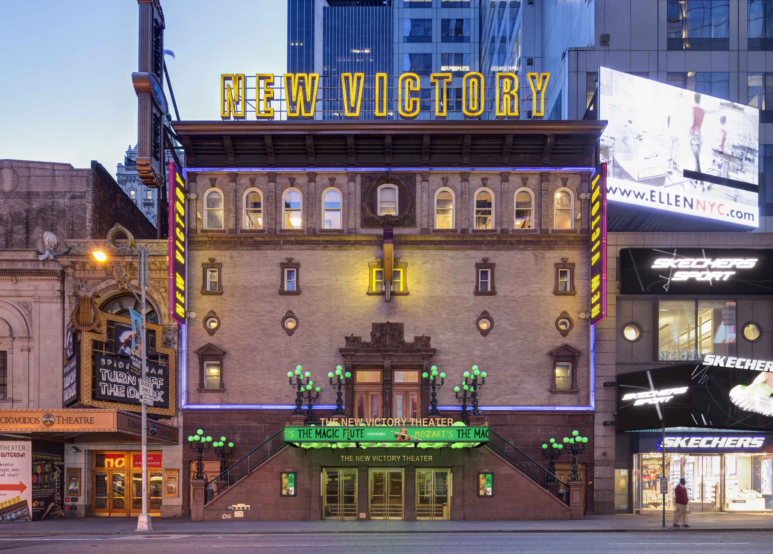 new_victory_theater_marquee_led-1